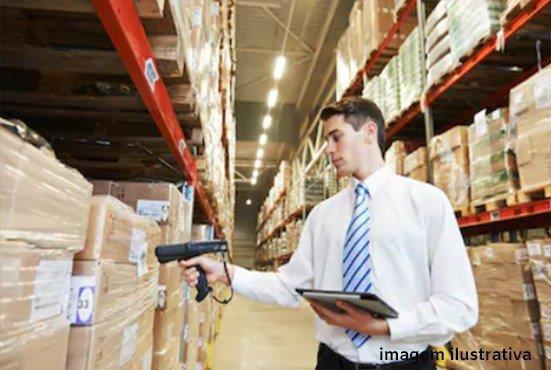 Serviços de armazenagem e logística